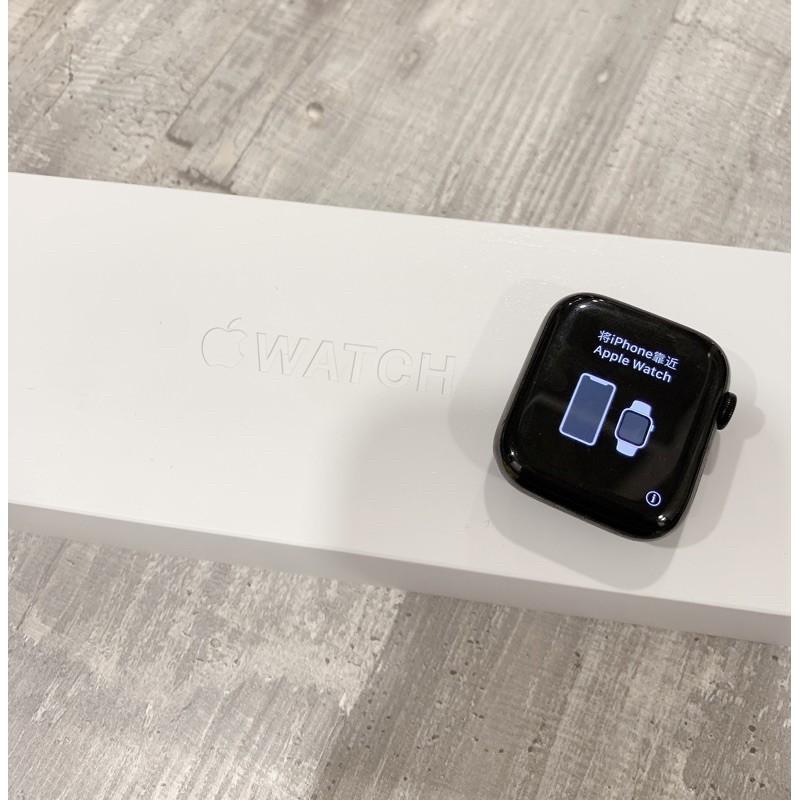 轉賣二手 台灣正品 公司貨 Apple Watch Series5 S5 太空黑不鏽鋼 附黑白錶帶+棕色皮錶帶