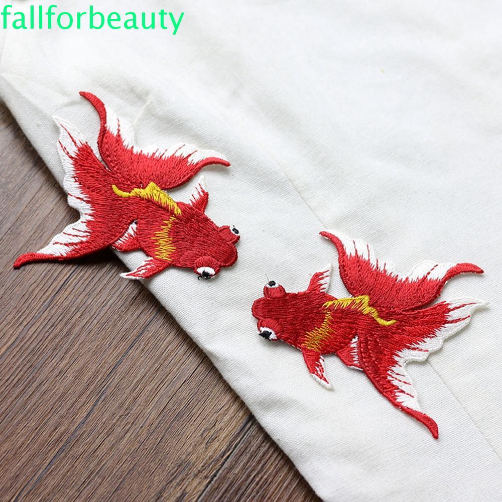 Fallforbeauty 黑色縫製補丁紅色服裝貼紙刺繡 1 對縫紉動物魚繡金色貼花 / 多色