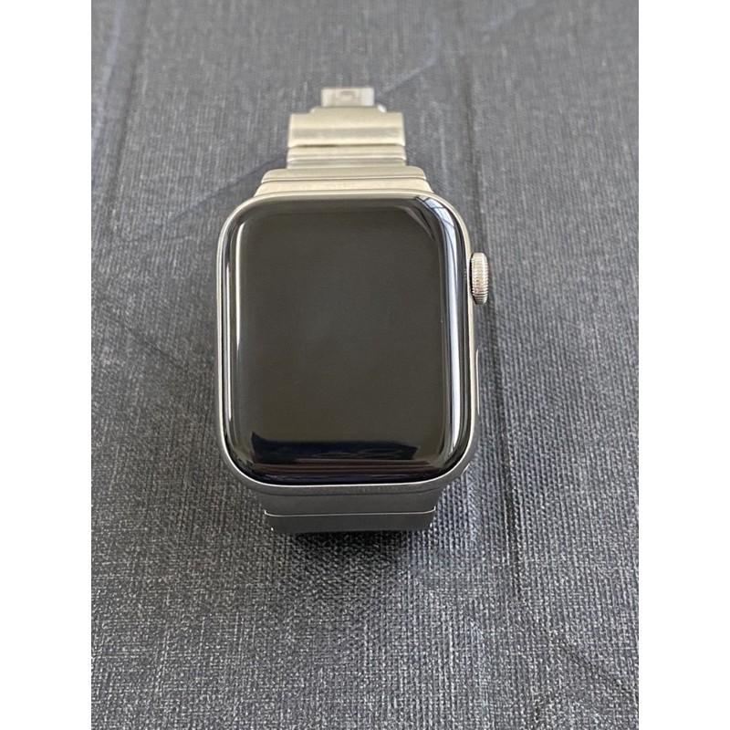 二手Apple Watch Series 4 (GPS+行動網路) 44mm 不鏽鋼錶殼+原廠不鏽鋼錶帶附原廠充電座