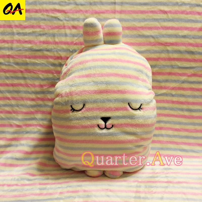 日本Craftholic 梨花兔 多用途 抱枕 暖手 靠枕 毛毯 空調被 冷氣毯 汽車毯 宇宙人