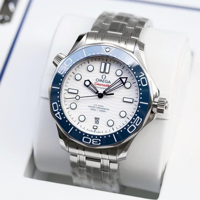 OMEGA 歐米茄 手錶 機械錶 42mm 東京奧運海馬 白面盤藍錶圈 522.30.42.20.04.001
