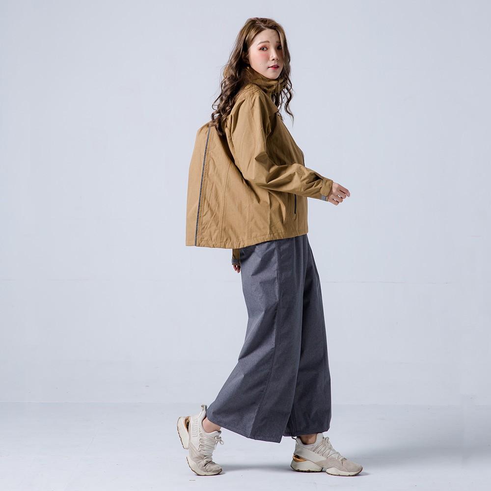 奧德蒙 兩件式雨衣 揹客 Packerism 夾克式背包款衝鋒雨衣(搭配淺灰防水寬褲) 卡其 雨衣《淘帽屋》