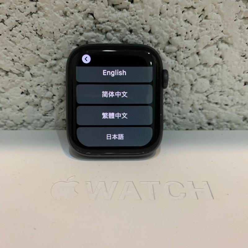 二手 免運 Apple watch s4 44mm 太空灰 附贈全新充電線及2個全新副廠錶帶