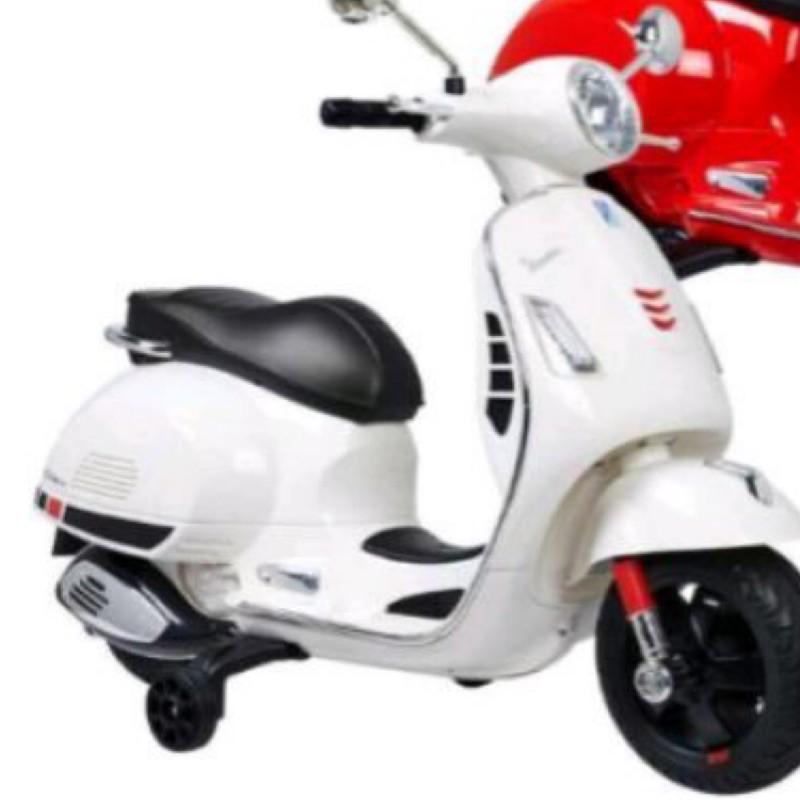全新~宅配Vespa GTS Super Sport 偉士牌兒童電動機車 電動車 玩具車/白色
