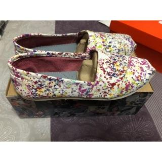 TOMS女款休閒鞋、平底鞋 台北市