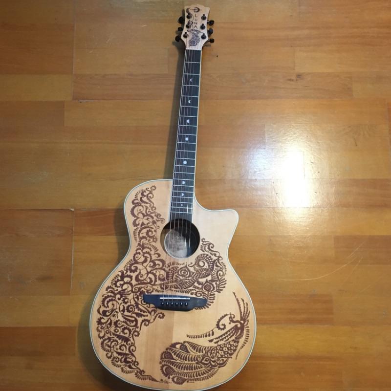 LUNA吉他-特別雕花設計-可以入門的高檔吉他